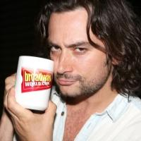WAKE UP with BWW 8/20/14 - Rannells Gets Glittery as HEDWIG, Three Broadway Companies Meet-and-Greet, and More!