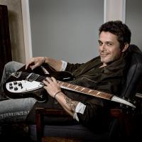 Alejandro Sanz's 'La Musica No Se Toca' Maintains Top 10 Status