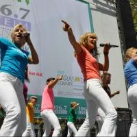 BWW TV: MAMMA MIA! Cast Dances Into BROADWAY IN BRYANT PARK!