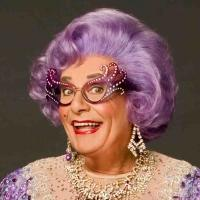 BWW Reviews: Irreverent Goodbyes from DAME EDNA at the Moore
