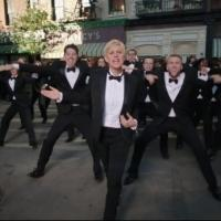 VIDEO: Ellen DeGeneres Dances Through the Streets in First Promo for the Oscars!