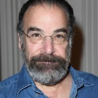 Mandy Patinkin to Voice 'Papa Smurf' in Sony's Animated Reboot