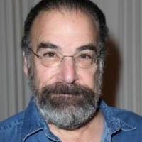 Mandy Patinkin Joins Alan Cumming, PS122 to Honor Claire Danes, Jimmy Van Bramer Tonight