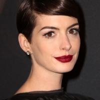 OSCARS: Anne Hathaway Wins 'Actress in a Supporting Role' for LES MISERABLES
