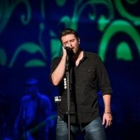 Chris Young Plays to Capacity Crowds on 'Riser' Tour