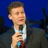 BWW Reviews: Actor/Singer Kevin Earley Brings Uber Enjoyable ON THE RECORD to Sterling's