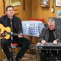 Vince Gill & More Featured in New Episodes of LARRY'S COUNTRY DINER