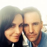 Couteney Cox Announces Engagement to Snow Patrol's Johnny McDaid on Twitter!
