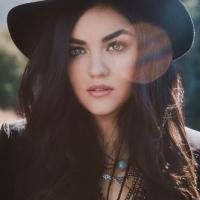 Lucy Hale Performs New Single at MACY'S THANKSGIVING DAY PARADE Today