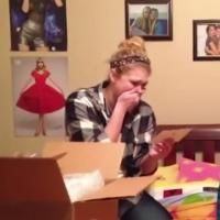 VIDEO: Taylor Swift Plays Secret Santa to Shocked Fans; Video Goes Viral!