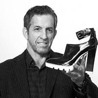 Kenneth Cole And Today Show Contributor Jill Martin Break World Records
