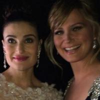 Idina Menzel & Jennifer Nettles Sing 'Let It Go' Duet On CMA COUNTRY CHRISTMAS