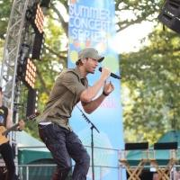 Photo Flash: Enrique Iglesias Performs on GMA's Summer Concert Series