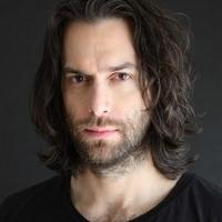 WHITNEY Star Chris D'Elia Set to Visit Comix Stage for First Time this April