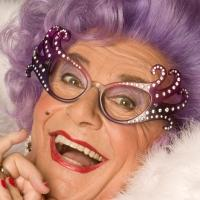 BWW Reviews: DAME EDNA'S GLORIOUS GOODBYE at The National Theatre