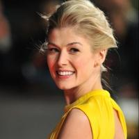 GONE GIRL's Rosamund Pike to Join THE MOUNTAIN BETWEEN US?
