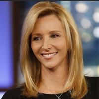 Lisa Kudrow to Host 2015 Writers Guild Awards Show