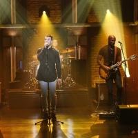 VIDEO: Sam Hunt Performs 'Leave the Night On' on LATE NIGHT