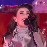 VIDEO: Idina Menzel Belts Out 'Holly Jolly Christmas' at CHRISTMAS IN ROCKEFELLER CENTER
