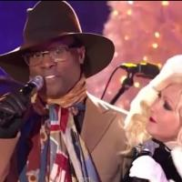 VIDEO: KINKY BOOTS' Cyndi Lauper and Billy Porter Sing 'Home For the Holidays' at CHIRSTMAS IN ROCKEFELLER CENTER