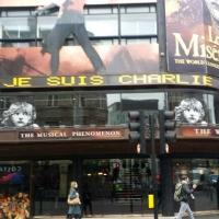 LES MISERABLES UK Proclaims 'Je Suis Charlie' On Marquee