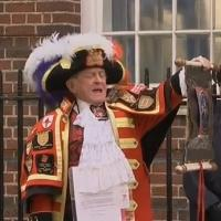 VIDEO: Oyez! Prince William and Kate Middleton Welcome Baby Girl!