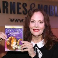 Photo Coverage: Lesley Ann Warren Signs CINDERELLA DVDs at Barnes & Noble