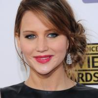 Jennifer Lawrence to Play a Young Kathleen Turner in DUMB AND DUMBER TO