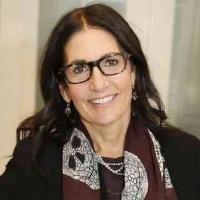 Bobbi Brown Debuts Eyewear Collection