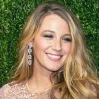 Photo Coverage: Blake Lively Shows Off Baby Bump in Michael Kors