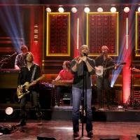 VIDEO: Darius Rucker Performs 'Homegrown Honey' on TONIGHT SHOW