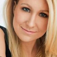 Nikki Glaser, Gilbert Gottfried & More Set for Carolines on Broadway Next Month