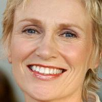 Jane Lynch Reveals Hopes For GLEE Final Season In New On Set Video