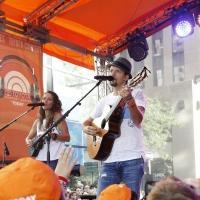 Photo Flash: Jason Mraz Rocks TODAY Show Plaza on NBC