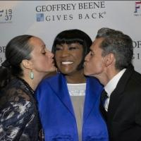 Photo Flash: Patti Labelle, Isabel Toledo and More at Record-Breaking Geoffrey Beene Scholarship Awards Gala