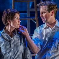 BWW Reviews: A Quiet Grace in Rep's DEAR ELIZABETH