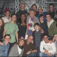 Photo Flash: Broadway-Bound Ian McKellen Visits NEWSIES!