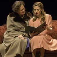 THE GLASS MENAGERIE Extends Through February 23, 2014 on Broadway!