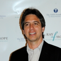 Ray Romano Signs on for HBO Rock 'n Roll Drama Pilot