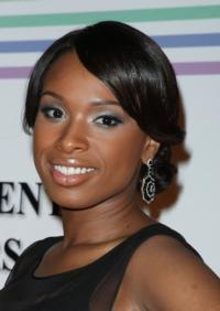 Jennifer-Hudson-Kellie-Clarkson-in-Talks-for-AMERICAN-IDOL-20130522