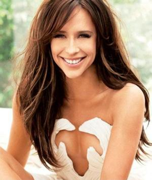 Jennifer Love Hewitt Welcomes Baby; Announces Marriage