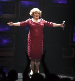 Susan Boyle Sings at Lakewood Church in First Live U.S. Solo Performance Today