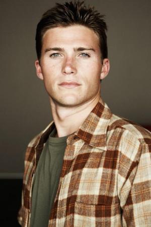 Scott Eastwood to Lead Film Adaptation of Nicholas Sparks' THE LONGEST RIDE