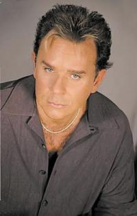 A ROCKIN' HOLIDAY CELEBRATION at Union County PAC Features Lou Christie, Jimmy Beaumont & The Skyliners Tonight