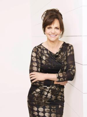 Sally Field to Speak at Lynn Sage Cancer Research Foundation's Fall Benefit Luncheon, 10/14
