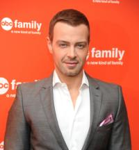 Joey Lawrence & Harvard Baseball Team Set for DANCING FOOLS Season Finale Today