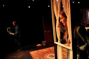 BWW Reviews: HOUSEBOUND Sets Bar High for Student Productions