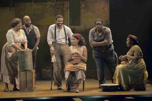 BWW Reviews: GERSHWINS' PORGY AND BESS Soars at National Theatre