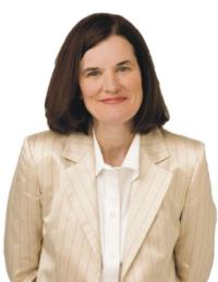 Paula Poundstone Comes to the Warner Theatre, 8/25
