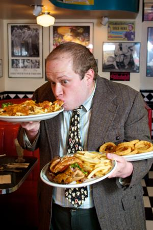 BWW Reviews: Theatreworks' SERVANT OF TWO MASTERS Delivers Comedy on a Silver Platter